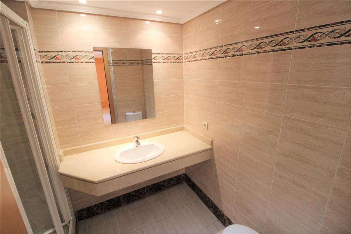 Apartamento de 2 dormitorios en venta en Selwo – R2677493