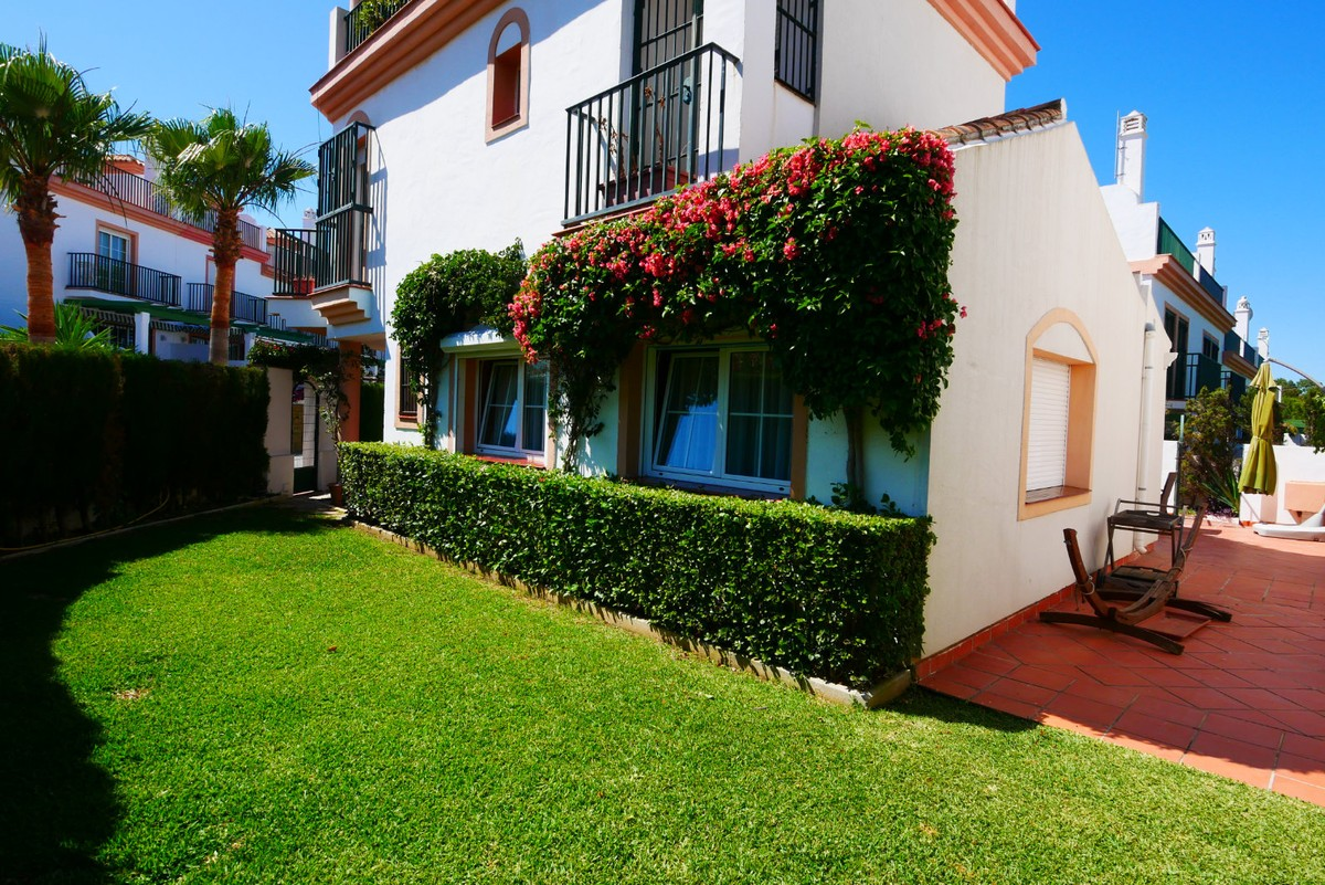 3 bedroom Villa for sale in Marbella – R2490236