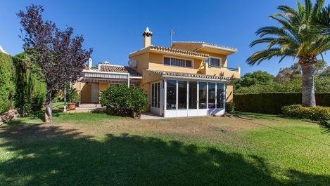 3 bedroom Villa for sale in Elviria – R2738588