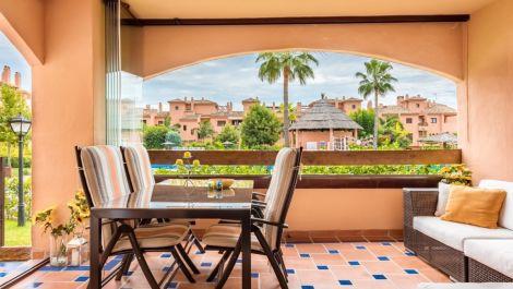 2 bedroom Apartment for sale in Hacienda del Sol – R3016124 in