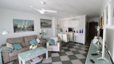 Apartamento de 2 dormitorios en venta en Marbella – R3370762