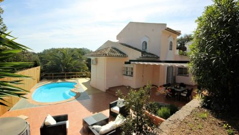 4 bedroom Villa for sale in Elviria – R3510007