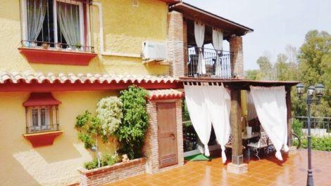 Villa de 6 dormitorios en venta en Puerto Banús – R3541438 en