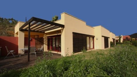 2 bedroom Villa for sale in New Golden Mile – R1950603 in
