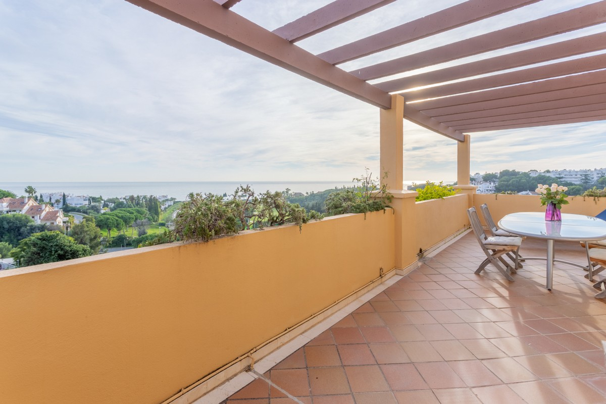 2 bedroom Penthouse for sale in Río Real – R3331069