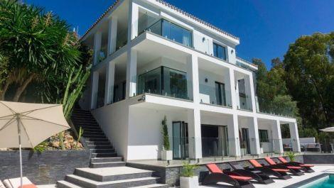 5 bedroom Villa for sale in Elviria – R3085972