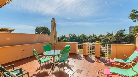 2 bedroom Penthouse for sale in Elviria – R3368932 in