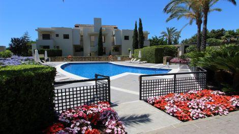 3 bedroom Apartment for sale in Sierra Blanca – R3521914