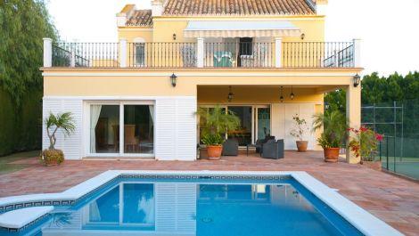 Villa de 4 dormitorios en venta en Sotogrande – R3065128 en