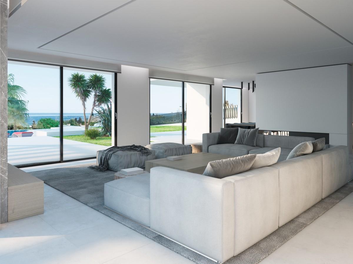 Villa de 5 dormitorios en venta en Marbesa – R3473197