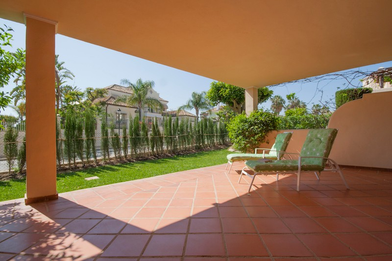 3 bedroom Apartment for sale in Elviria – R1924329