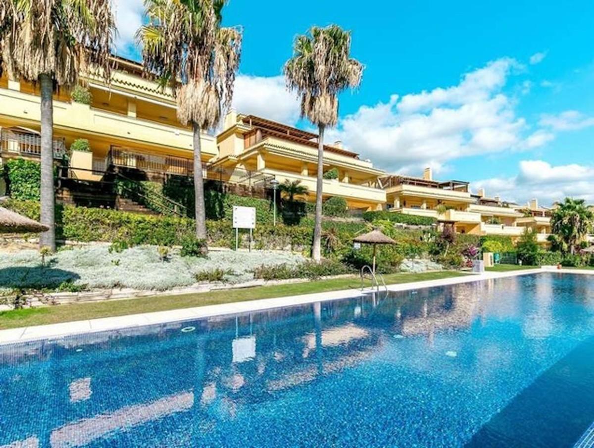 2 bedroom Apartment for sale in Sierra Blanca – R3514828
