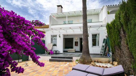 Adosado de 2 dormitorios en venta en Elviria – R3506239 en