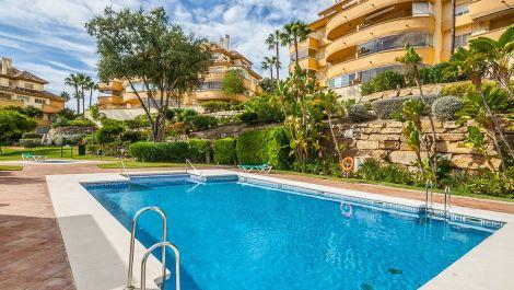 2 bedroom Apartment for sale in Elviria Hills – R3534871