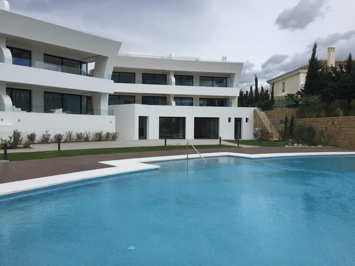 4 bedroom Townhouse for sale in Sierra Blanca – R2598641