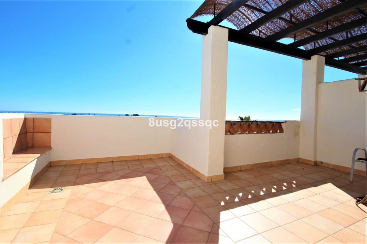 2 bedroom Penthouse for sale in Selwo – R3541885