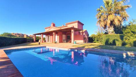 Villa de 4 dormitorios en venta en Sotogrande Alto – R3556024 en