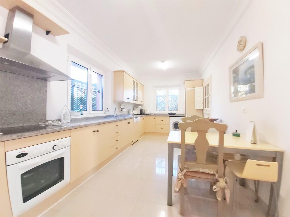 4 bedroom Villa for sale in Sotogrande Alto – R3556024