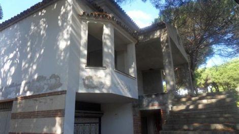 Villa de 5 dormitorios en venta en Hacienda Las Chapas – R598765 en