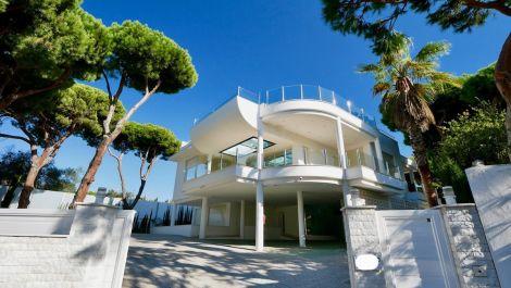 6 bedroom Villa for sale in Cabopino – R3552742
