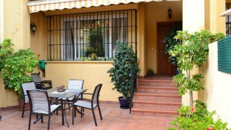 Adosado de 3 dormitorios en venta en San Pedro de Alcántara – R2862488