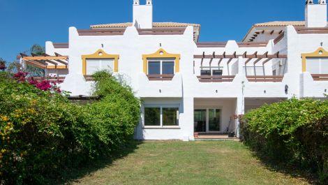 Adosado de 3 dormitorios en venta en Selwo – R3432085