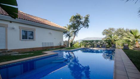 6 bedroom Villa for sale in La Mairena – R2622611 in