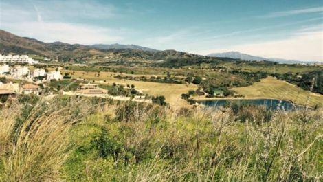 Terreno en venta en Estepona – R2373332