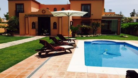 6 bedroom Villa for sale in Guadalmina Baja – R2839451 in