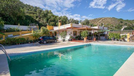 2 bedroom Finca for sale in Altos de los Monteros – R3277309