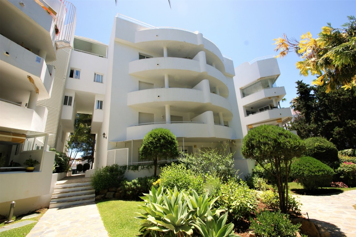 Apartamento de 3 dormitorios en venta en Río Real – R3526942