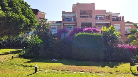 Atico de 3 dormitorios en venta en Guadalmina Alta – R3456919 en