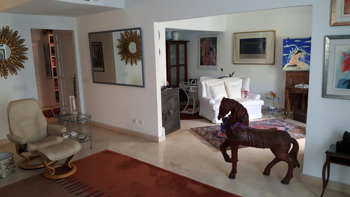 2 bedroom Penthouse for sale in Nagüeles – R2928527