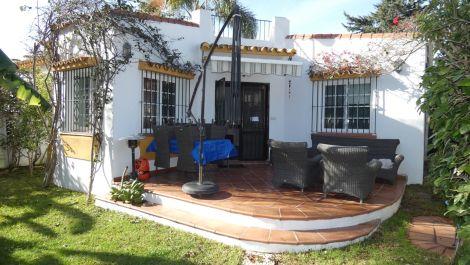 Villa de 2 dormitorios en venta en San Pedro de Alcántara – R3596900 en