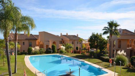 Apartamento de 2 dormitorios en venta en Benahavís – R3561229