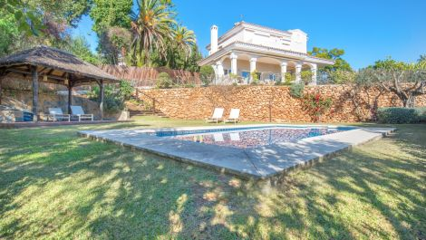 6 bedroom Villa for sale in Elviria – R3593278
