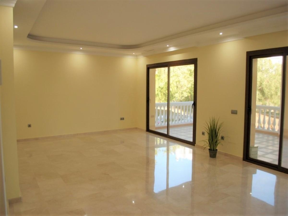 Villa de 4 dormitorios en venta en Las Chapas – R3550120