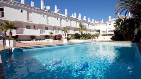3 bedroom Apartment for sale in Puerto Banús – R3592750