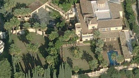 7 bedroom Villa for sale in Nueva Andalucía – R1943486