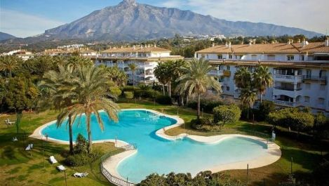 4 bedroom Apartment for sale in Puerto Banús – R3277579