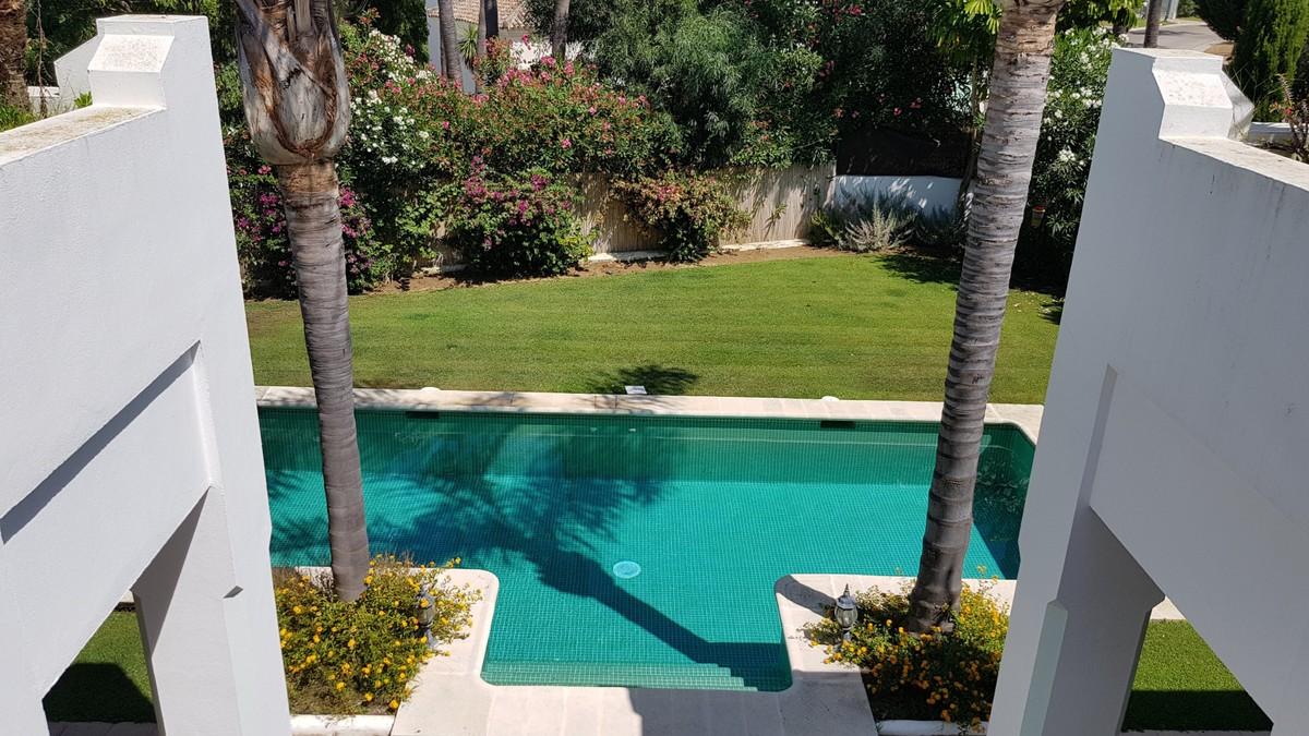 Villa de 4 dormitorios en venta en Sotogrande Alto – R3521701