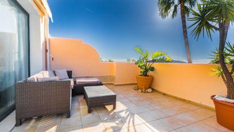 2 bedroom Apartment for sale in Elviria – R3079291 in