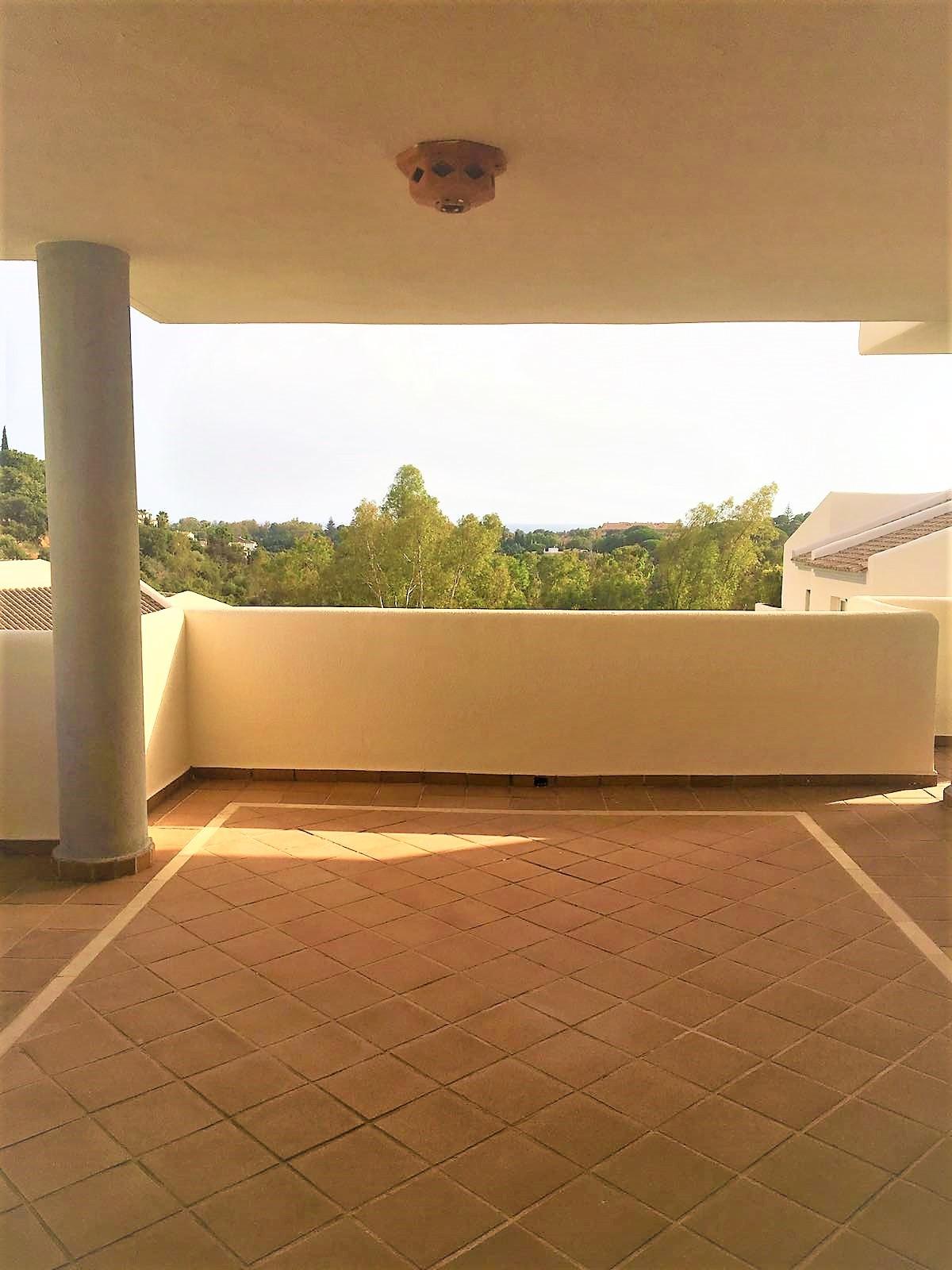 3 bedroom Apartment for sale in Elviria – R3186559