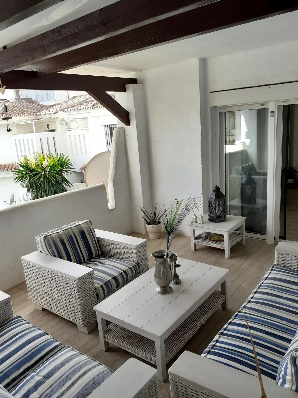 Atico de 1 dormitorio en venta en Marbella – R3592249