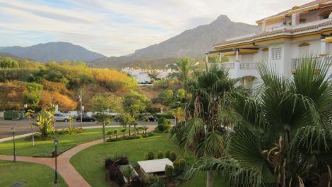 Apartamento de 2 dormitorios en venta en Nueva Andalucía – R2739701