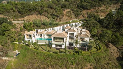 5 bedroom Villa for sale in La Zagaleta – R3536653 in