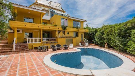 Villa de 9 dormitorios en venta en El Rosario – R2927315