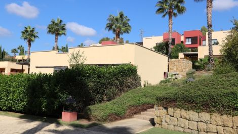 2 bedroom Villa for sale in Benahavis – R3272458 in