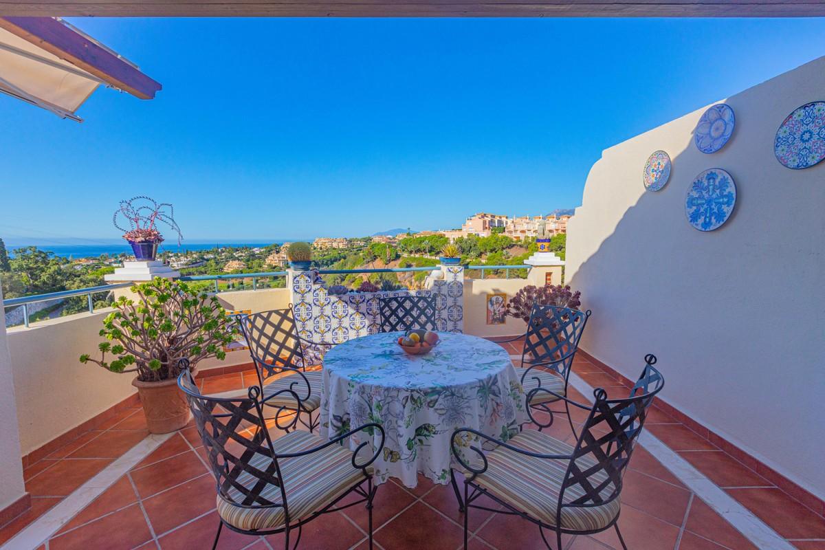 2 bedroom Penthouse for sale in Elviria – R3425056