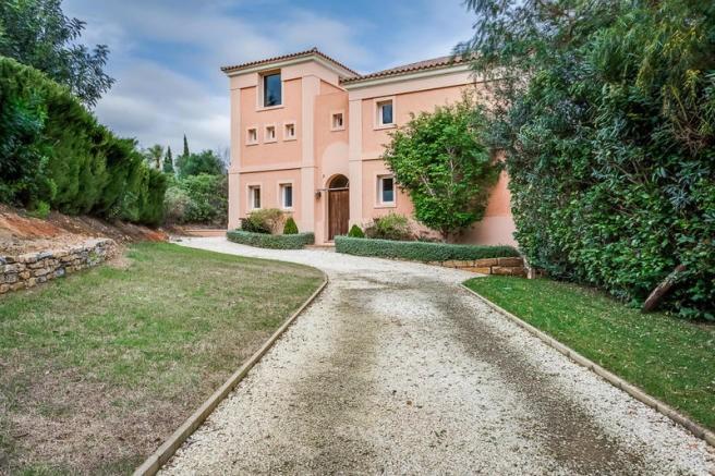 Villa de 6 dormitorios en venta en Sotogrande Alto – R3176920